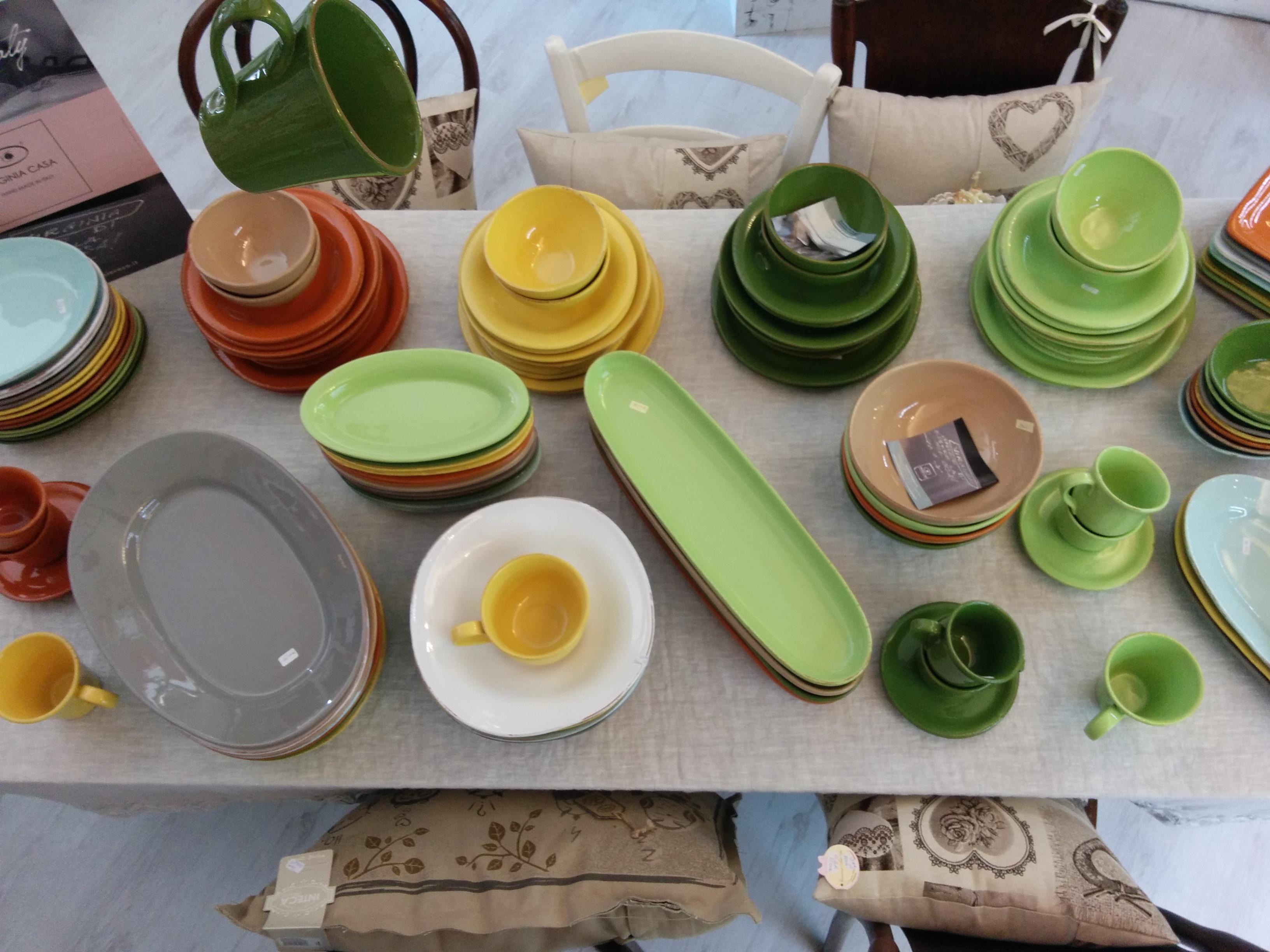 Virginia Casa Ceramiche Prezzi.I Piatti Della Linea Tavolozza In Promozione La Culla Delle Idee